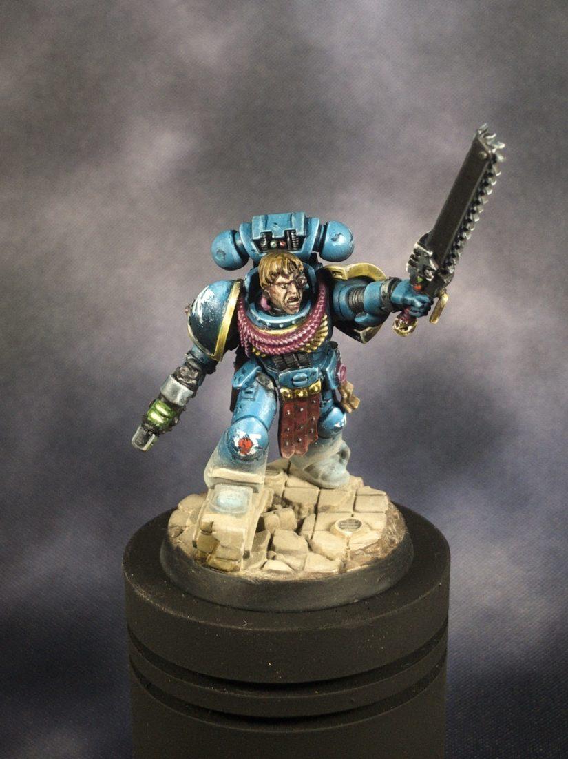 Warhammer 40,000 Ultramarine Sergeant